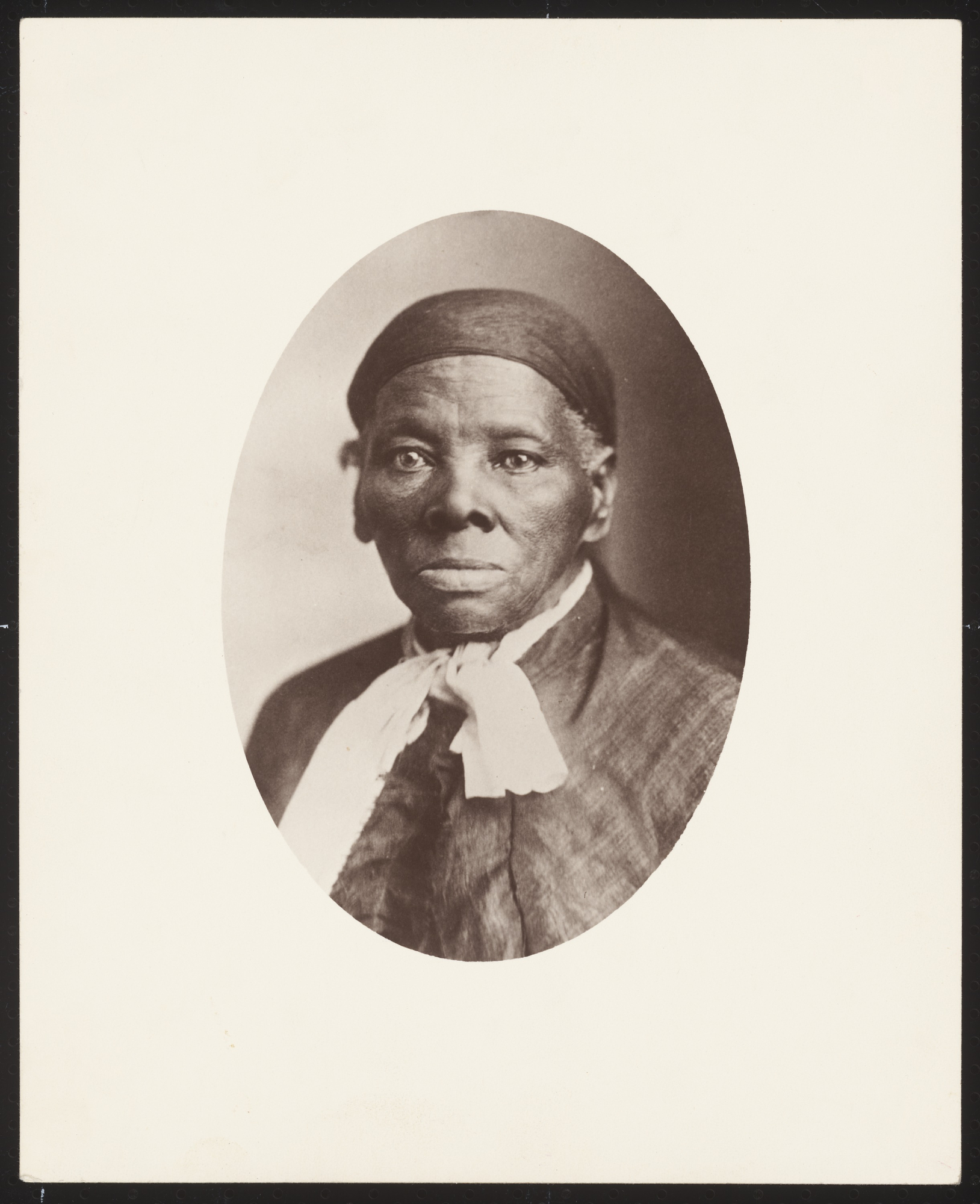 the contributions of harriet tubman dred scott and frederick douglass in the quest of african americ Harriet tubman (born araminta ross c 1822 – march 10, 1913) was an african-american abolitionist, humanitarian, and, during the american civil war, a union spyborn into slavery, tubman escaped and subsequently made some thirteen missions to rescue approximately seventy enslaved family and friends, using the network of antislavery activists and safe houses known as the underground railroad.