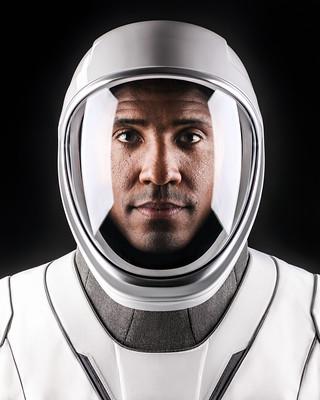 Commander Victor Glover
